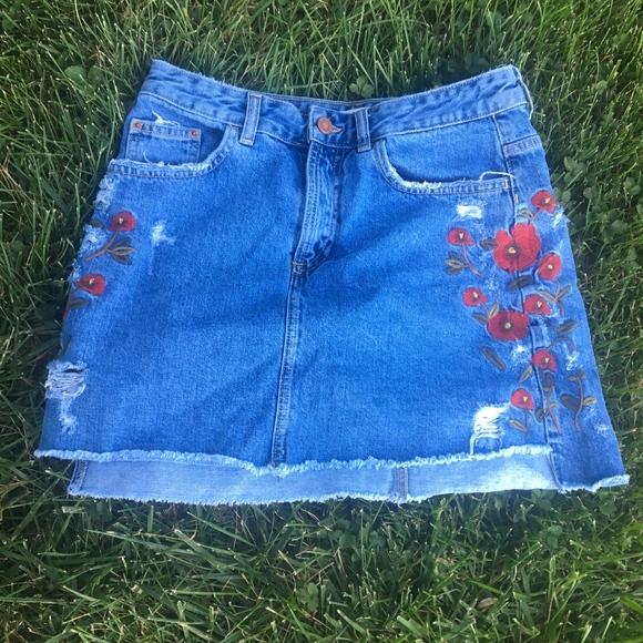 Zara Dresses & Skirts - Zara Basic Denim Skirt